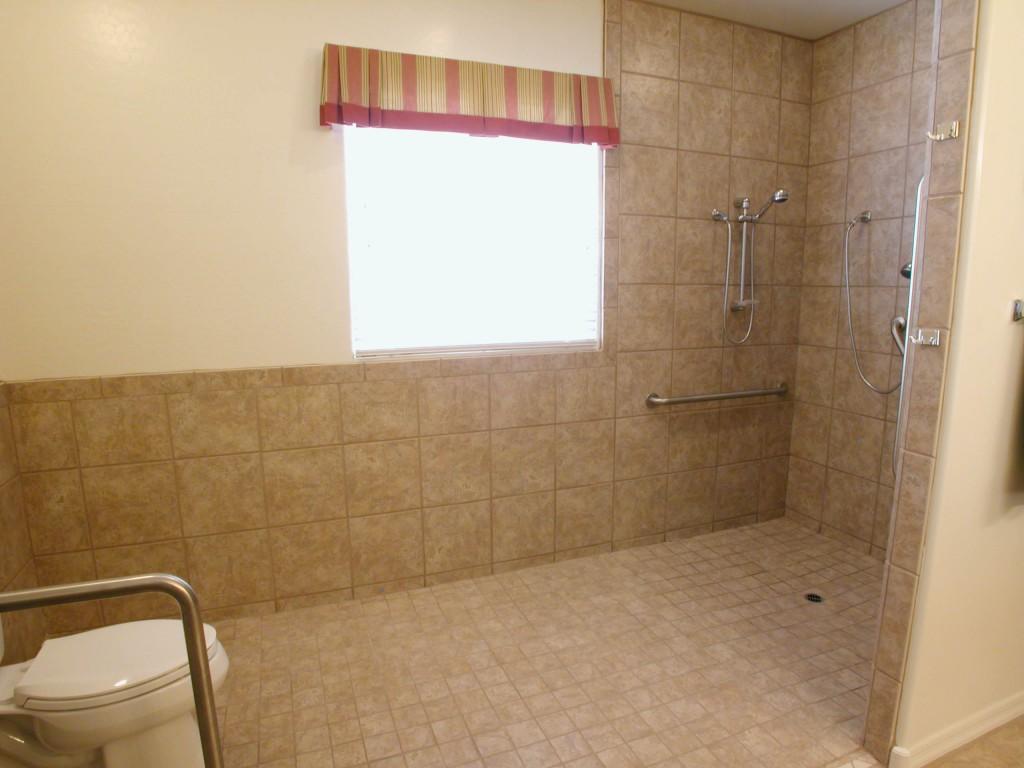 baño adaptado para movilidad reducida