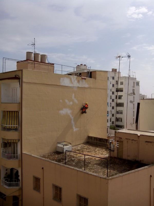 Pintura de fachada trabajos verticales reformas en mallorca - Trabajos verticales en palma ...