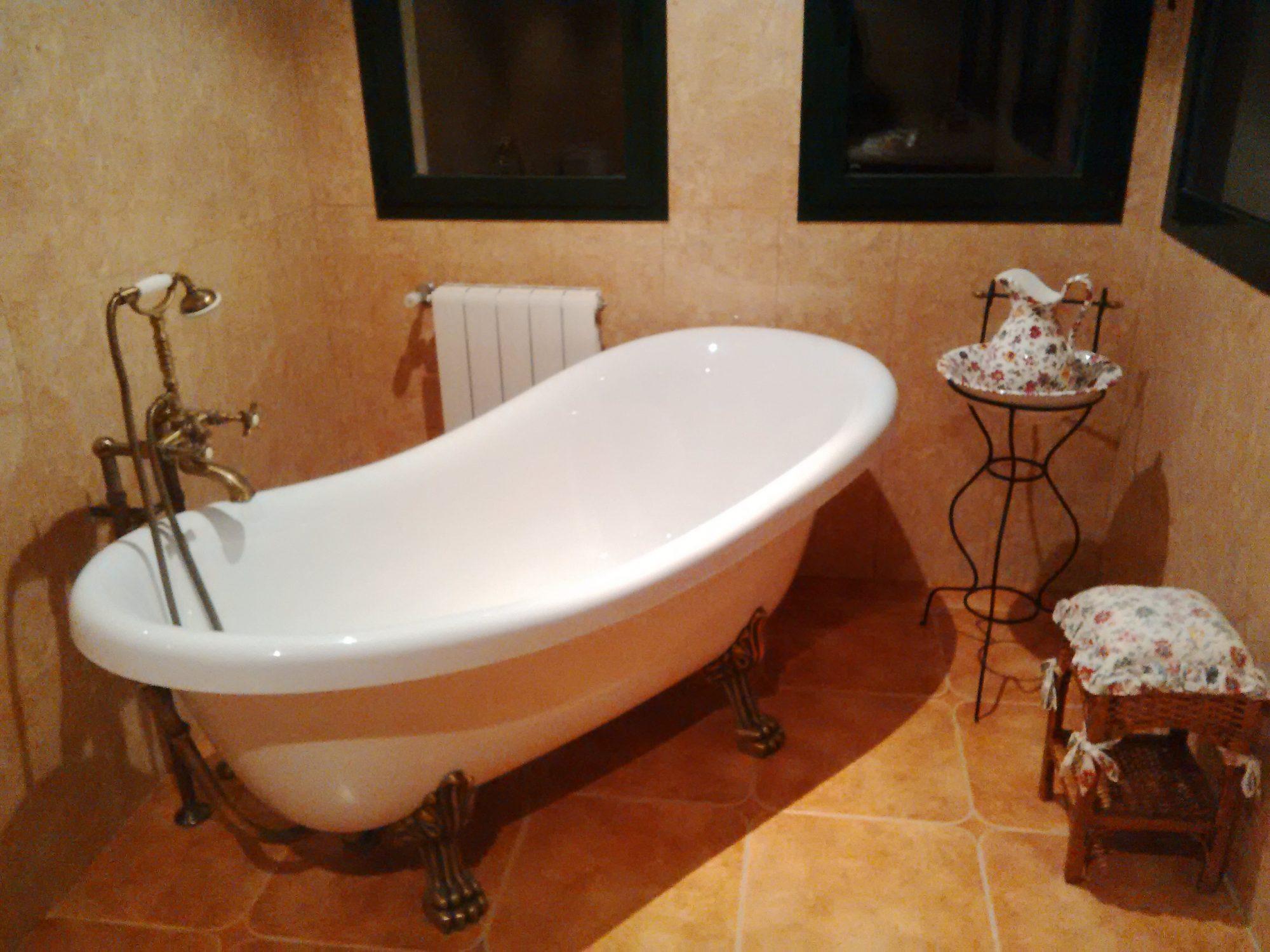 bañera estilo claśico