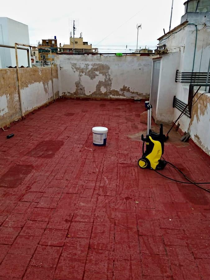 impermeabilización con caucho, limpieza de la superficie